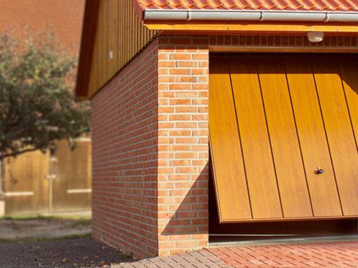 basculanti-con-rivestimento-in-legno-510x382