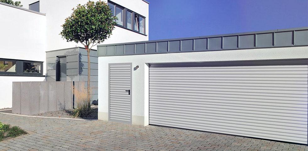 serrande-avvolgibili-rollmatic-con-porta-pedonale-laterale-001
